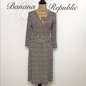 BANANA REPUBLIC SMALL NAVY AND TAN WRAP DRESS